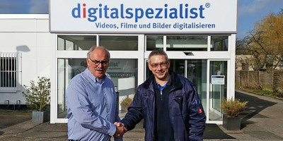 Aussenwerbung_Digitalspezialist_Osnabrück_Handshake_Abnahme